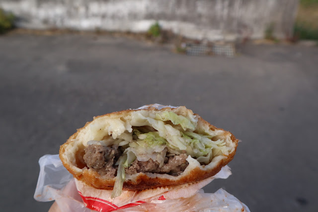 IMG 7728 - 【竹南美食】永貞路中華電信前的好吃蔥油餅,就連食尚玩家也推薦,當地人的最愛的下午點心,旁邊的餡之香也是一級棒!