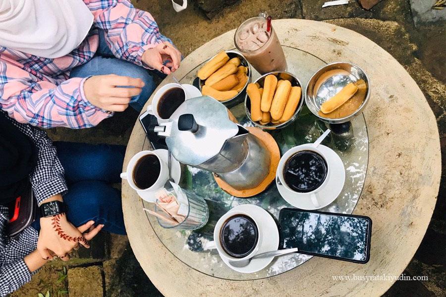 kopi hutan, penang hill, bukit bendera, cafe kopi hutan, tempat menarik di penang, makan sedap di penang,