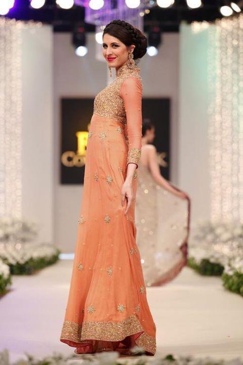 Fashion Ki Dunia New Trend Of Bridal Dresses In Pakistan
