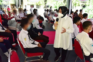 Tak Terima Pelajar Suroboyo Ikut Demo UU Cipta Kerja, Risma: Tidak Adil Kalau Anak Usia Segini Dilibatkan