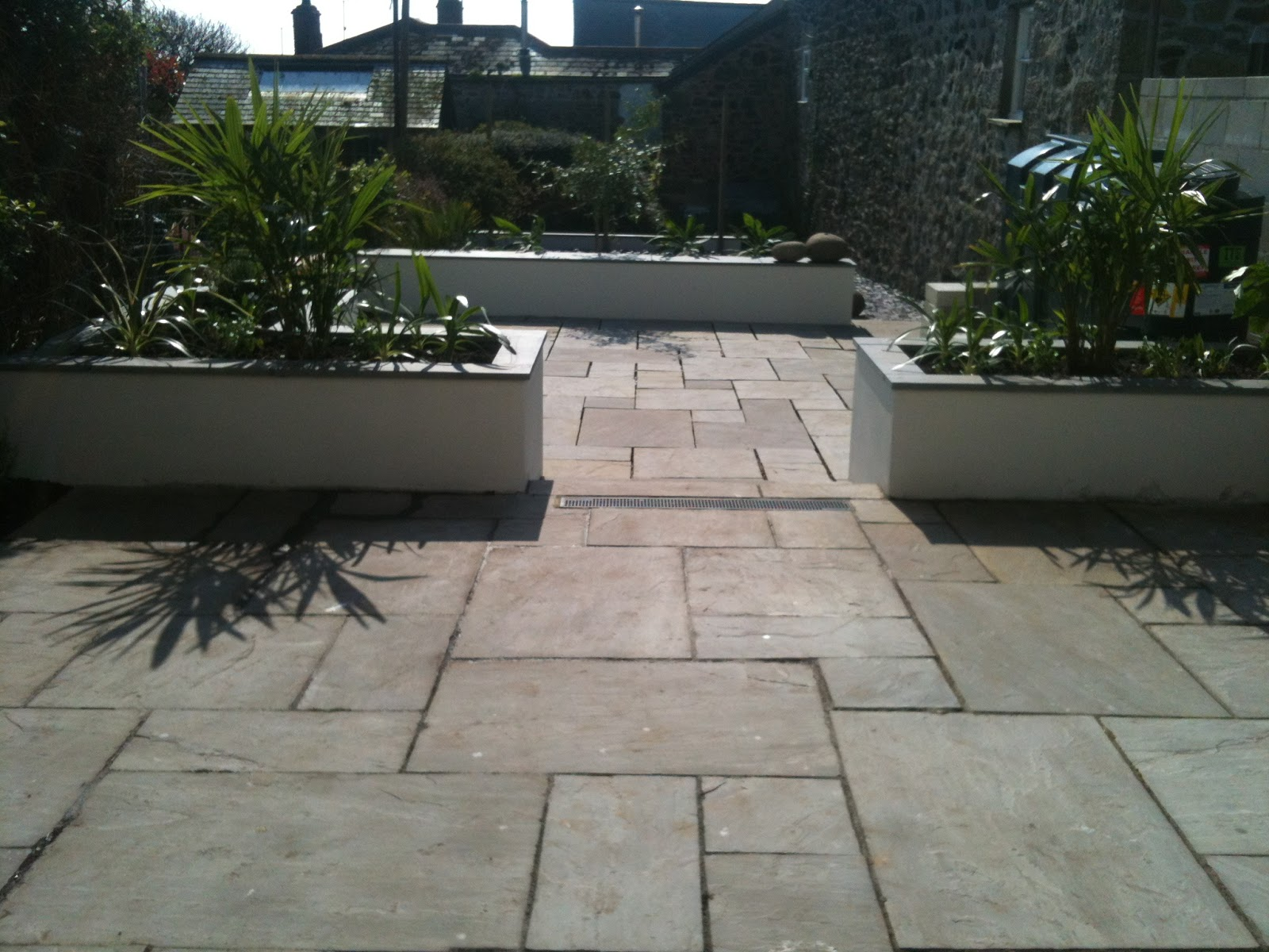 Sarahhillgardendesign mousehole contemporary courtyard for Courtyard landscape oostburg wi