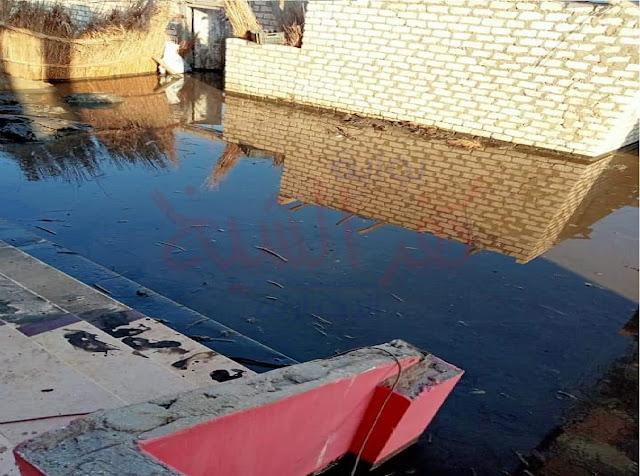 المياه تغمر منازل القرية