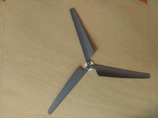 Home made mini wind turbine propeller