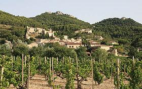 Gigondas, dans le département du Vaucluse, au pied des dentelles de Montmirail