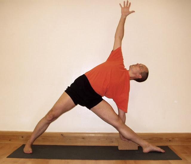 Utthita Trikon Asana (Triangle Pose)