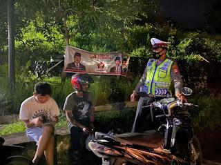 Berikan Rasa Aman Dan Nyaman Kepada Masyarakat, Personil Sat Lantas Melakukan Patroli Malam