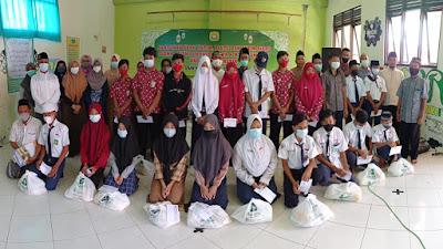 SMK Ma'arif NU Benjeng Berbagi Kebahagian dan Keceriaan dengan Siswa-Siswi Yatim/Piyatu