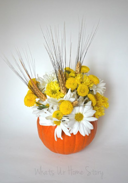 11 Thanksgiving Table Decor Ideas featuring Pumpkin Floral Centerpiece by What's UR Homestory