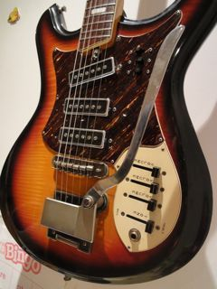 canadian vintage guitar hunt vintage silvertone mosrite slider electric guitar. Black Bedroom Furniture Sets. Home Design Ideas