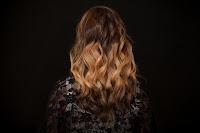 घर पर बालों को हाईलाइट कैसे करें