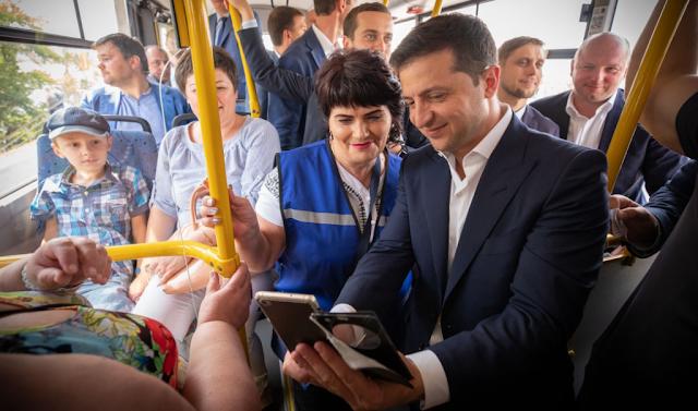 Скільки українців довіряють Зеленському: нова соціологія