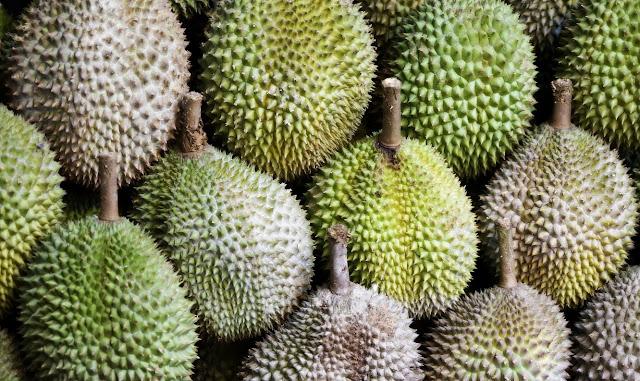 mimpi makan durian lengkap