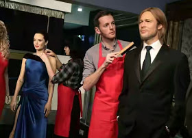 Brad Pit And Angelina Jolie's Wax Work Seperated By Madame Tussauds.