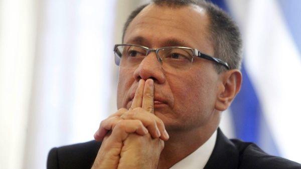 Vicepresidente de Ecuador pide indagar denuncias en su contra