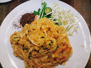 Pad Thai with chilli flakes