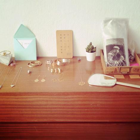 c line n by waiting for the blue d p t vente atelier le 52 lyon. Black Bedroom Furniture Sets. Home Design Ideas