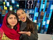 Ipade Malala Yousafzai pẹlu Lilly Singh ni 'A kekere Late pẹlu Lilly Singh'