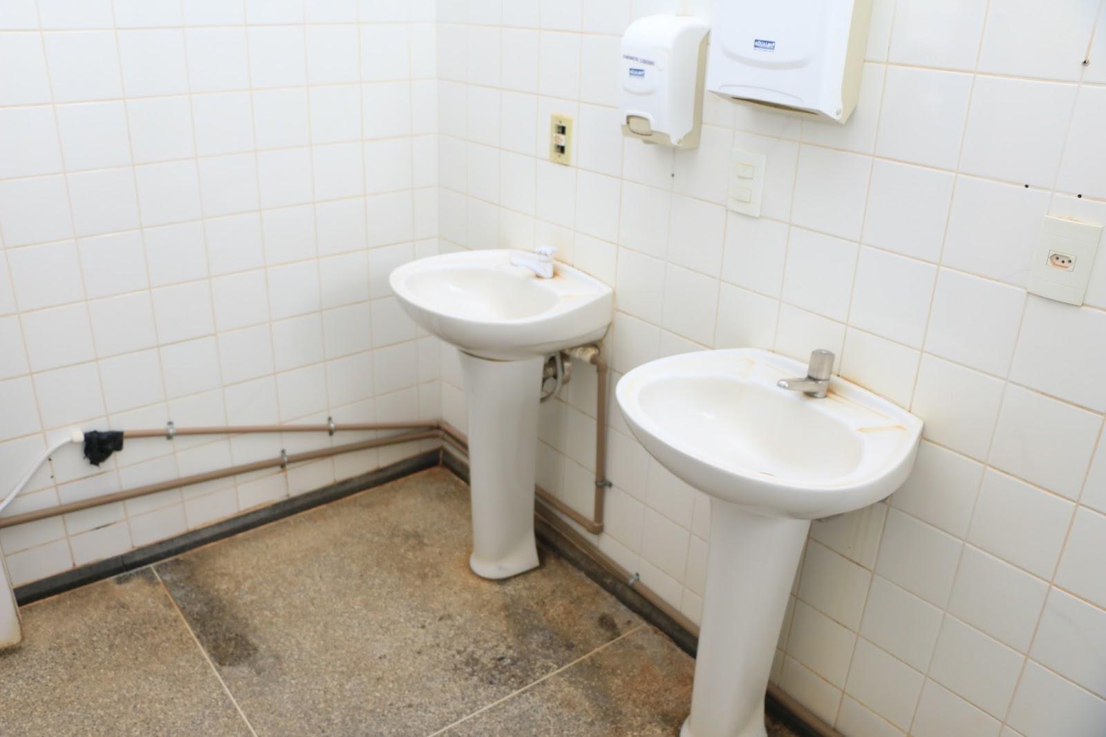 LEM: UPA DEIXADA POR HUMBERTO SANTA CRUZ NÃO OFERECE O MÍNIMO DE BIO  #614E38 1600x1066 Balanca Banheiro Melhor