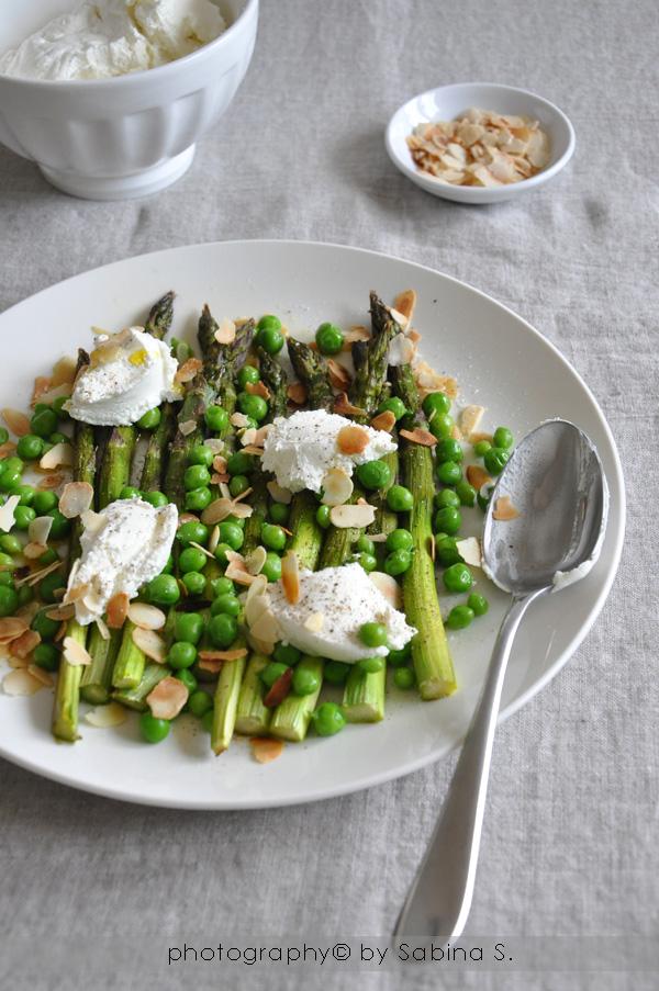 Insalata di asparagi e piselli