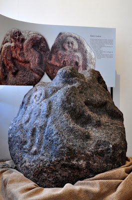 Głaz z Leźna z rzeźbami o charakterze kultowym