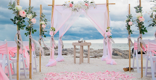 Como economizar casamento na praia