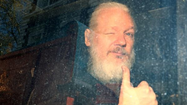ONU advierte que Assange tiene síntomas de tortura psicológica