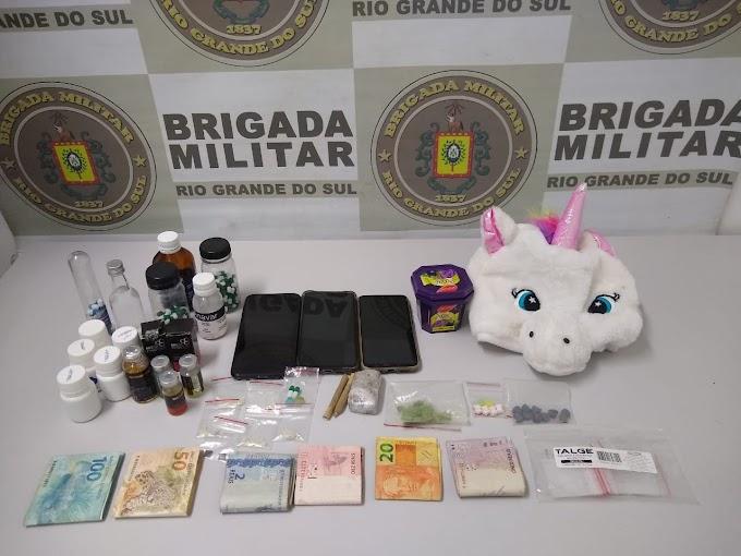 Dupla é presa por tráfico de drogas no Mato Alto em Gravataí