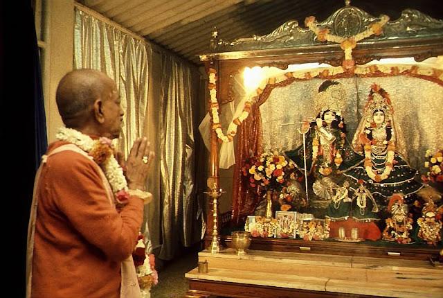 Srila-Prabhupada-Praying-to-Radha-Krishna-Deities%25402x.jpg?profile=RESIZE_584x