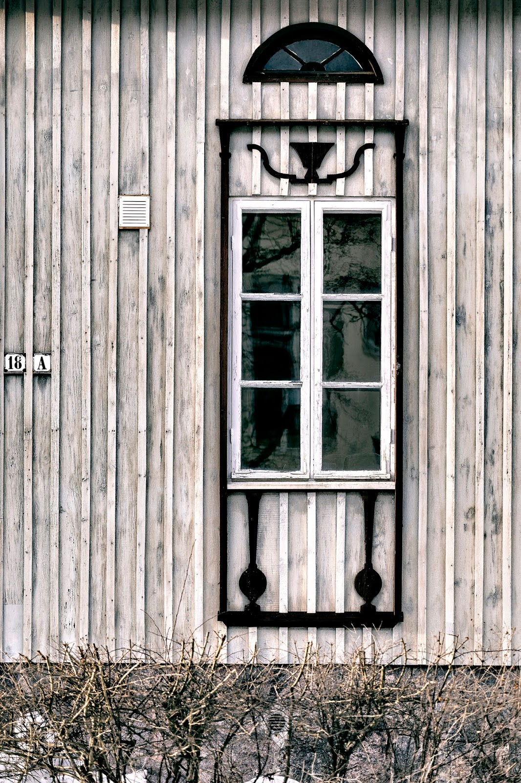 Suomi, Finland, finlandphotolovers, photography, visualaddict, valokuvaaja, Frida Steiner, visualaddictfrida, outdoors, old buildings, arkkitehtuuri, architecture, window, ikkuna