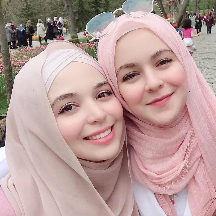 Gambar Muslimah Cantik Berhijab 14 Gambar