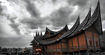 Seni Ukiran Pada Rumah Adat Minangkabau