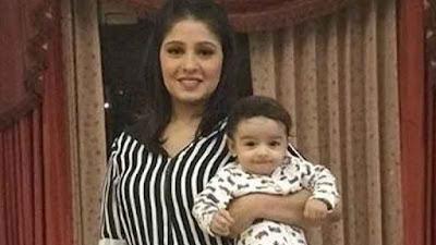 सुनिधि चौहान अपने बेटे के साथ