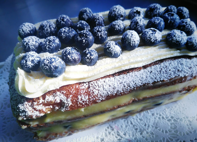 banana and blueberry cake
