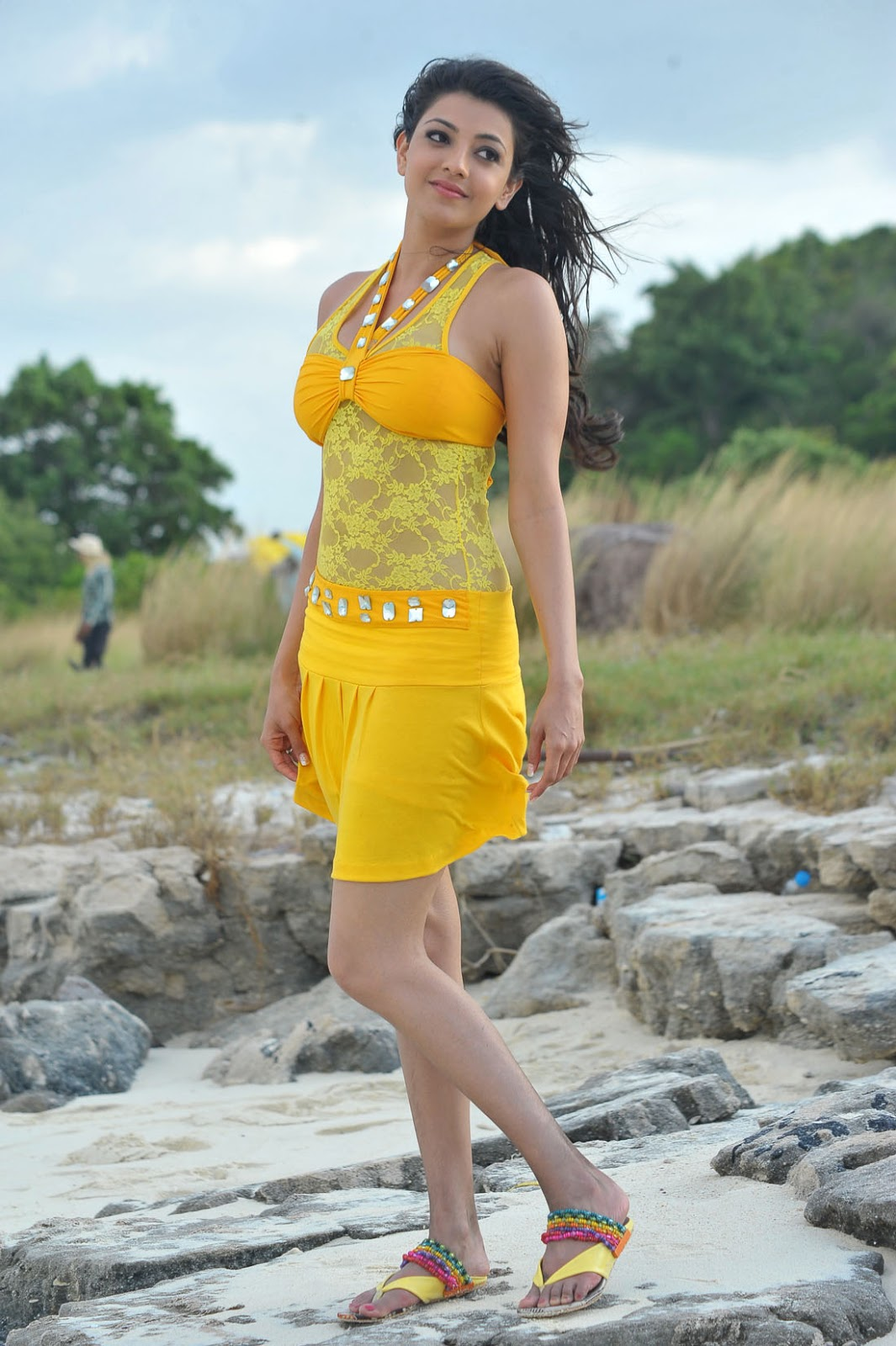 Desi Actress - Pixerdesi Kajal Aggarwal Sexy Bikini -7211