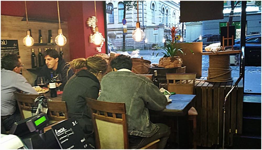 appelsiinejahunajaa Casa Italia Bulevardilla Helsingiss