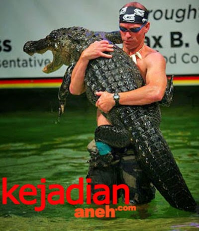 Freestyle Alligator Wrestling Competitions