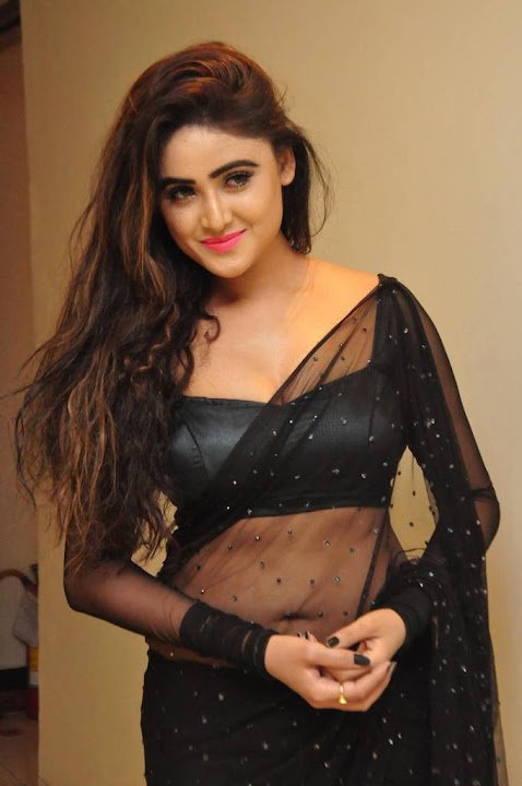 Sony Charishta at Khwaaish Designer Exhibition Launch