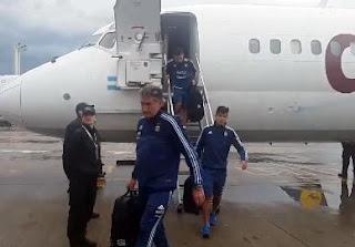 Tras el empate de ayer, la Selección arribó a Buenos Aires