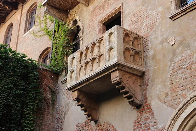 Un viaggio nel mondo e in Italia attraverso i luoghi dell'amore