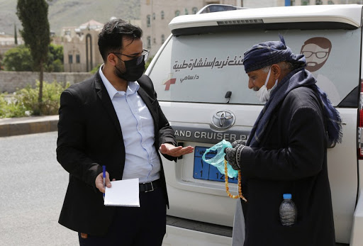Dr Sami Yahya Al Hajj provides free medical consultations in Yemen on the road