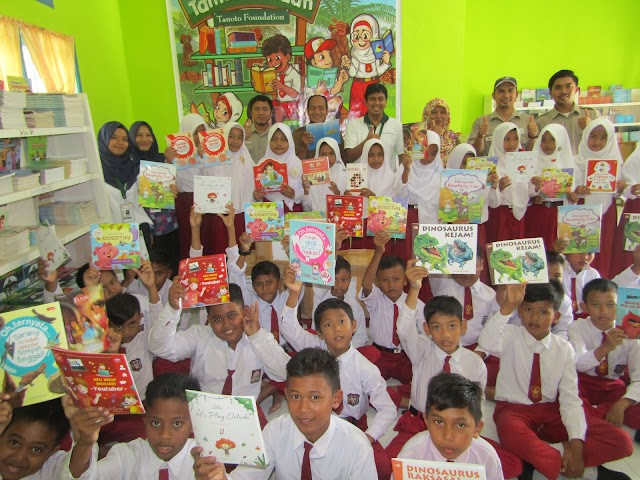 Dukung Gerakan Literasi Sekolah, SPOI Project Tanoto Foundation Distribusikan 2.000 Eksemplar Buku Perpustakaan.