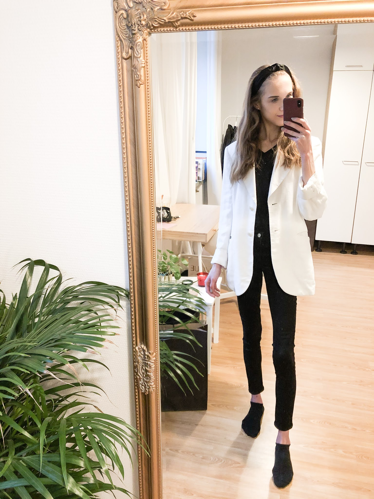 Mustavalkoinen asu // Black and white outfit