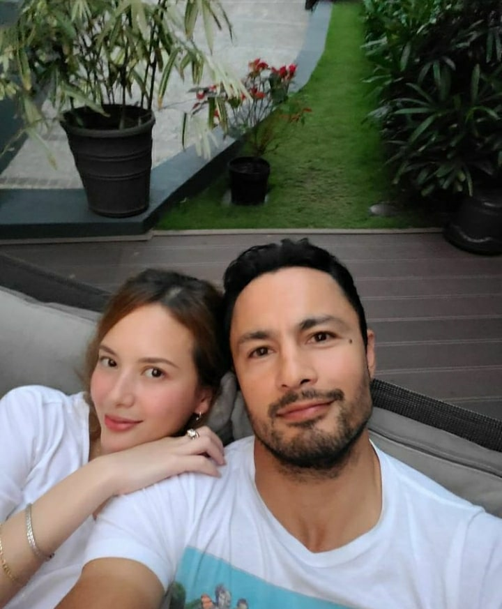 Ellen Adarna is now Derek Ramsay's new girlfriend