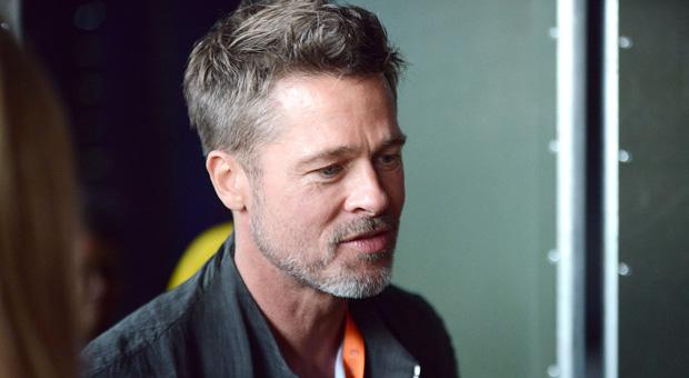 Brad Pitt: Oi Ελιτ παιδόφιλοι του Χόλιγουντ ελέγχουν την Αμερική.