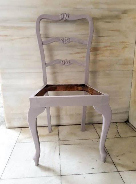 Επιχρύσωση καρέκλας με φύλλα χρυσού 6 Annie Sloan Greece