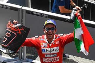 https://1.bp.blogspot.com/-AnA9kAqRgw0/XRXiAEKnLmI/AAAAAAAAFNI/t1cAUt9E3T0GzdgMmVXpSONOZnTmVM1VgCLcBGAs/s320/Pic_MotoGP-_076.jpg