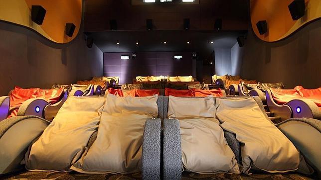 As son las salas de cine m s c modas del mundo - Butacas cine en casa ...