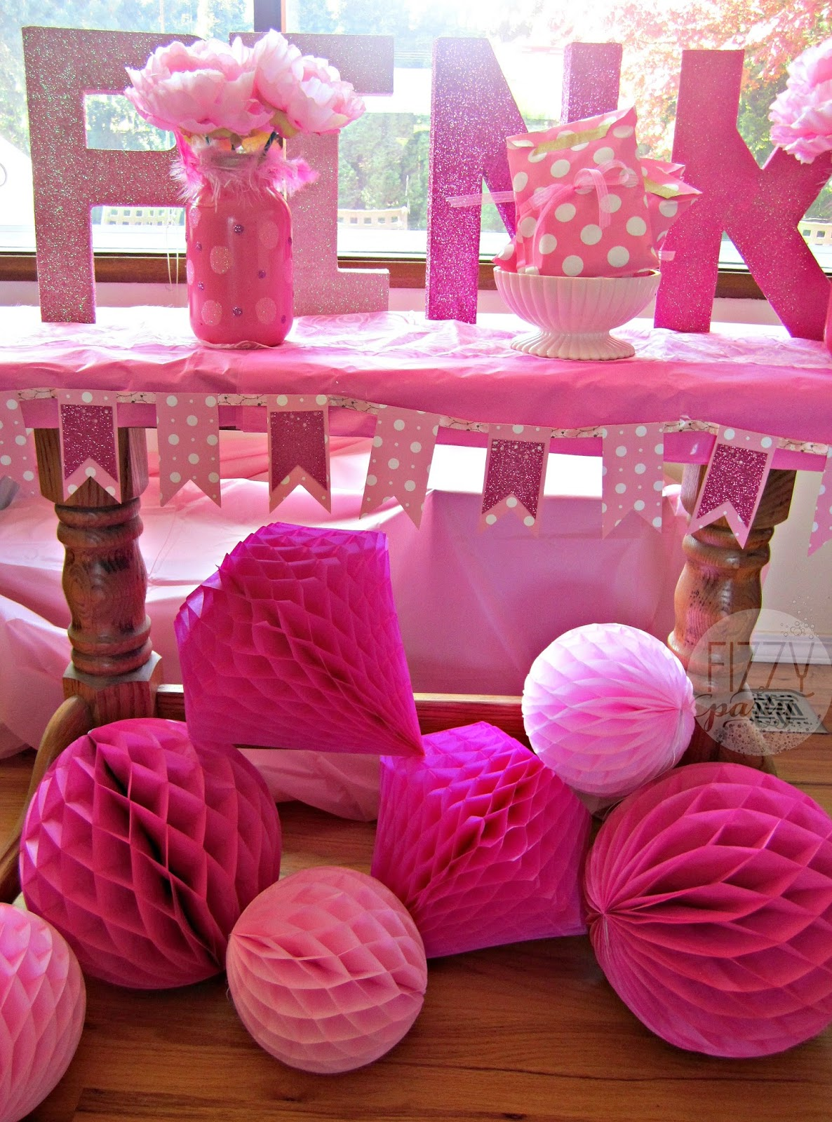 Pink party favor table