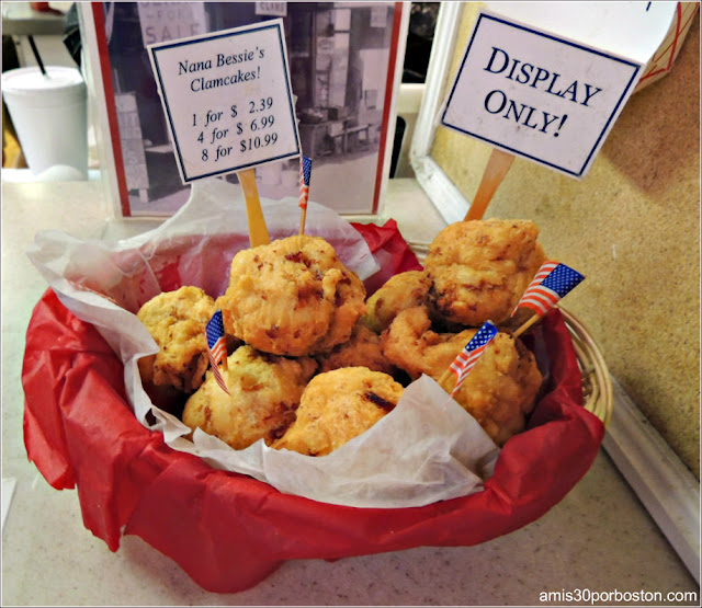 Clamcakes de Woodman's of Essex en Massachusetts
