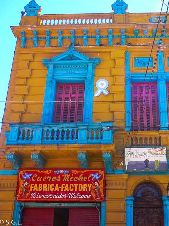 Vista de un conventillo de Caminito en Buenos Aires